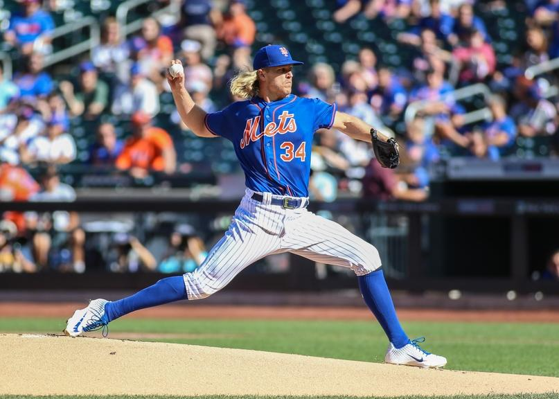 Noah Syndergaard throwing Mets