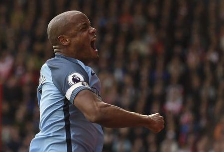 Britain Soccer Football - Southampton v Manchester City - Premier League - St Mary's Stadium - 15/4/17 Manchester City's Vincent Kompany celebrates scoring their first goal Action Images via Reuters / Tony O'Brien Livepic