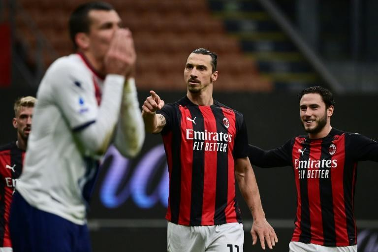 AC Milan's Swedish forward Zlatan Ibrahimovic (C) to reach 501 club goals.