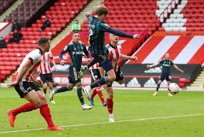 Bamford scores late winner off nose as Leeds beats Sheff Utd