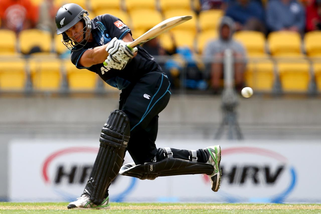 WELLINGTON, NEW ZEALAND - JANUARY 31:  Ross Taylor of New Zealand bats during Game 5 of the men's one day international between New Zealand and India at Westpac Stadium on January 31, 2014 in Wellington, New Zealand.  (Photo by Phil Walter/Getty Images)