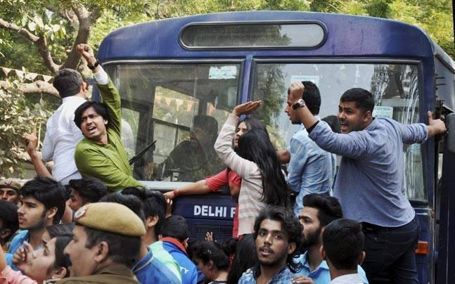 JNU vice-chancellor cancels visit to Karnatak University over intel on protests against DU violence