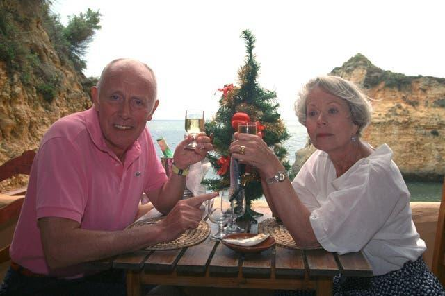 """""""One Foot In The Algarve"""" Christmas Special – Richard Wilson and Annette Crosbie – Portugal"""