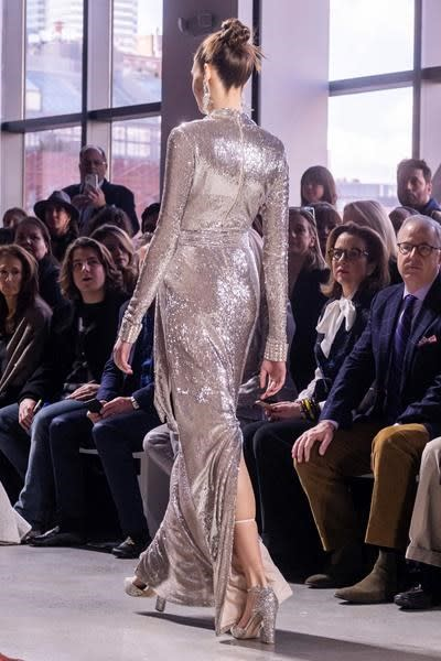 Sequins, big bows, glamorous gowns at Badgley Mischka show