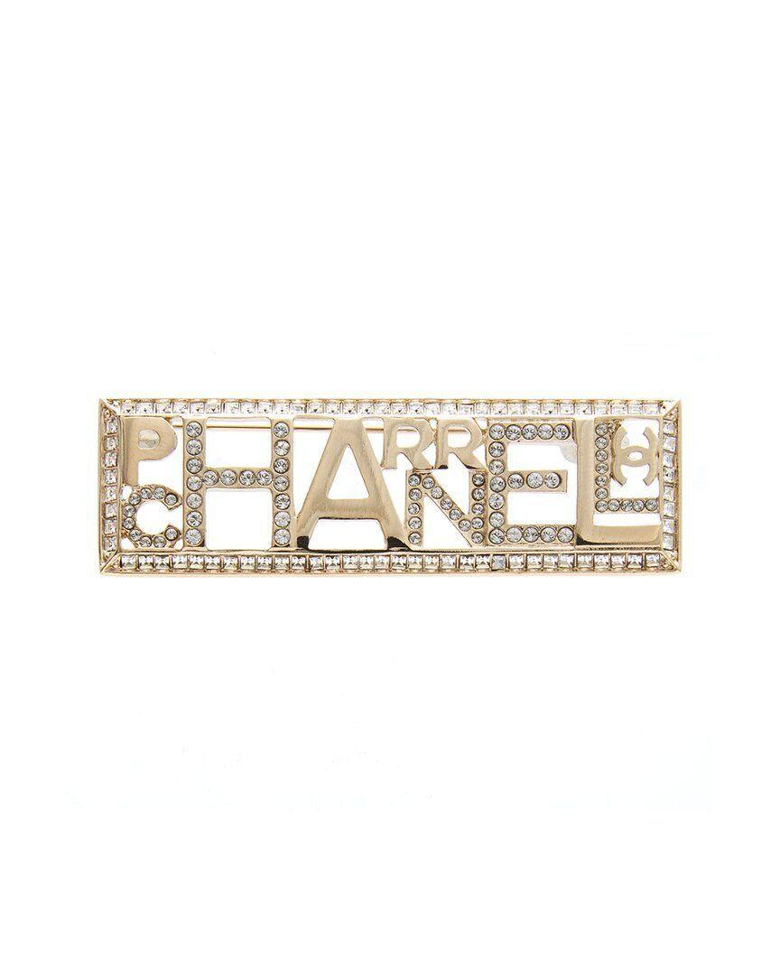 """<p><strong>Chanel</strong></p><p>gilt.com</p><p><strong>$800.00</strong></p><p><a href=""""https://go.redirectingat.com?id=74968X1596630&url=https%3A%2F%2Fwww.gilt.com%2Fboutique%2Fproduct%2F176385%2F125168103%2F%3Fdsi%3DBTQ-1254831834--d1bb805c-15ee-4f25-8200-2a60a7e254f6%26lsi%3Da7bbebcc-95aa-42ad-9e82-fe7a1f56e8f0%26pos%3D16&sref=https%3A%2F%2Fwww.cosmopolitan.com%2Fstyle-beauty%2Ffashion%2Fg35996088%2Fvintage-designer-shopping-sale-gilt%2F"""" rel=""""nofollow noopener"""" target=""""_blank"""" data-ylk=""""slk:SHOP NOW"""" class=""""link rapid-noclick-resp"""">SHOP NOW</a></p><p>If your outfit is missing a bit of shine, add this sparkly, one-of-a-kind Chanel brooch onto your shirt or jacket to bring some life into your lewk.</p>"""