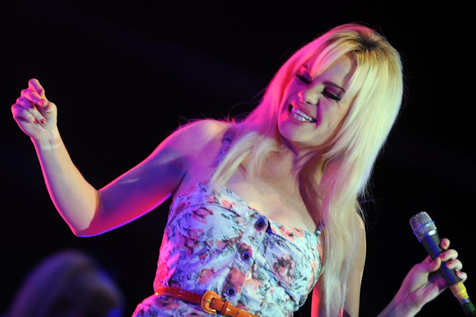 Welsh singer Duffy performs on stage during the Moon and Stars festival in Locarno, Switzerland, Monday, July 13, 2009. (AP Photo/Keystone, Ti-Press/Samuel Golay)