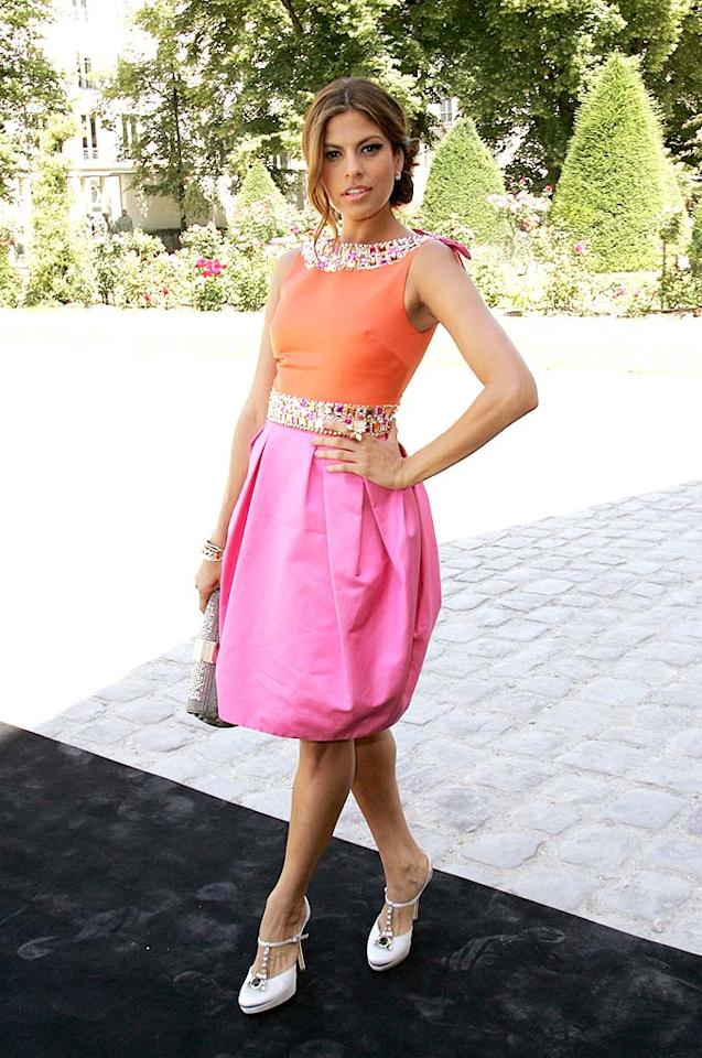 "The adorable Eva Mendes pops a pose upon arriving at the Dior '09 Spring/Summer haute couture fashion show at the Rodin Museum in Paris. Tony Barson/<a href=""http://www.wireimage.com"" target=""new"">WireImage.com</a> - June 30, 2008"