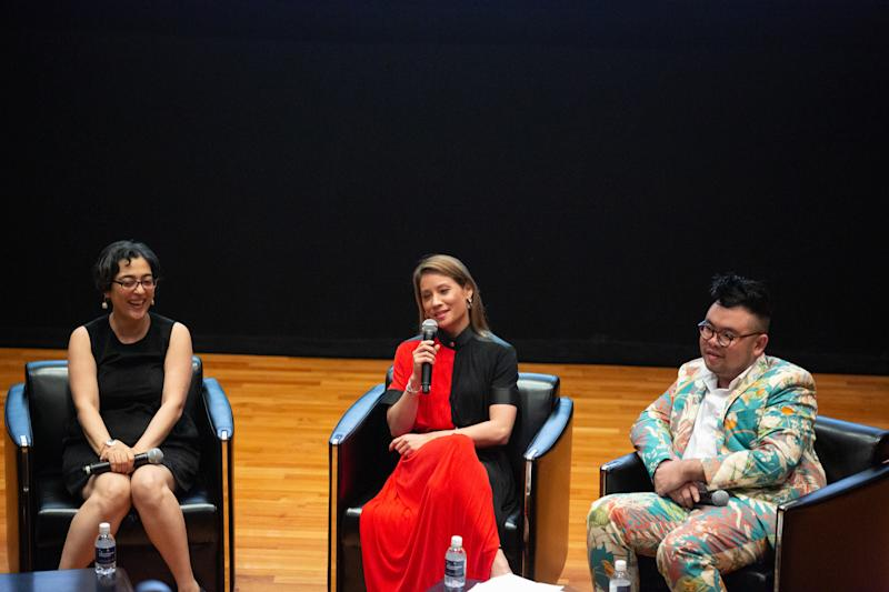 Lucy Liu (middle) together with Ryan. (PHOTO: National Museum Singapore)