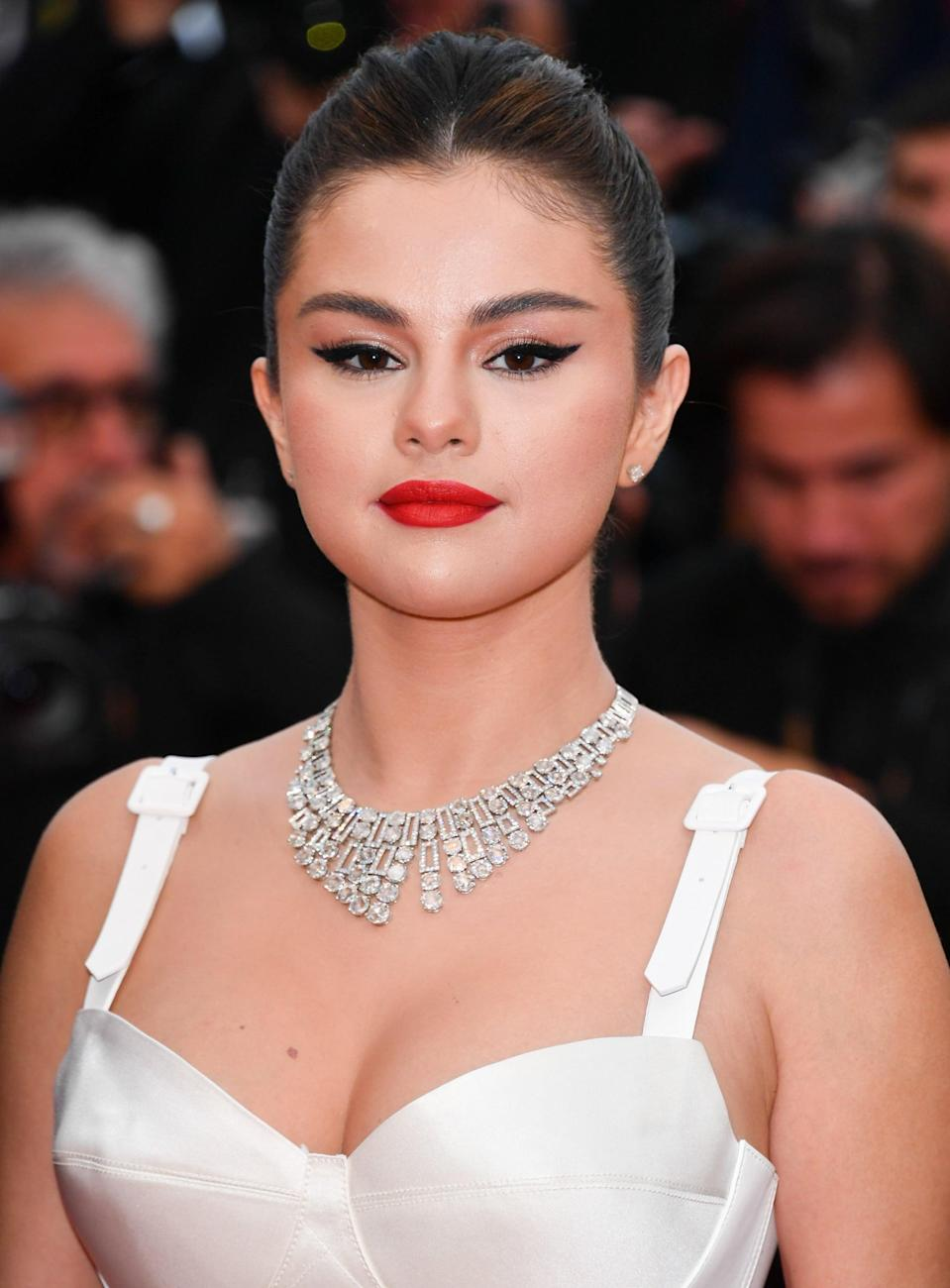 <p>Selena emanated pure elegance at the Cannes Film Festival screening of <b>The Dead Don't Die</b>.</p>