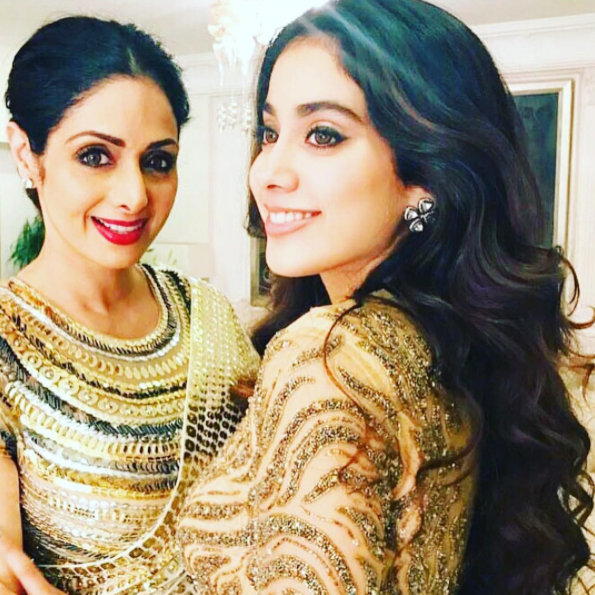 <p>Jhanvi has already mastered the art of getting the perfect balance of sultry and classy, just like her mother. </p>