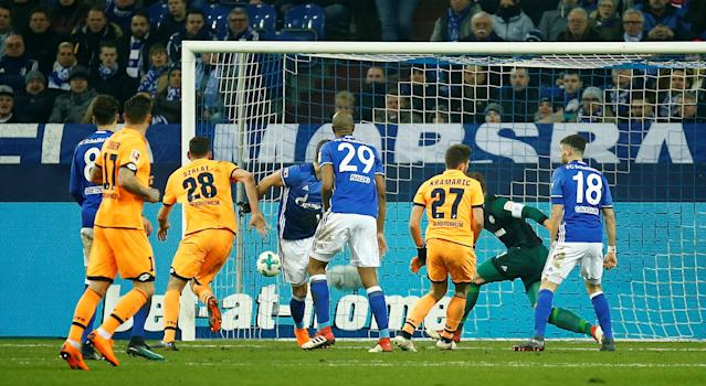 Soccer Football - Bundesliga - Schalke 04 vs TSG 1899 Hoffenheim - Veltins-Arena, Gelsenkirchen, Germany - February 17, 2018 Hoffenheim's Andrej Kramaric scores their first goal REUTERS/Leon Kuegeler DFL RULES TO LIMIT THE ONLINE USAGE DURING MATCH TIME TO 15 PICTURES PER GAME. IMAGE SEQUENCES TO SIMULATE VIDEO IS NOT ALLOWED AT ANY TIME. FOR FURTHER QUERIES PLEASE CONTACT DFL DIRECTLY AT + 49 69 650050