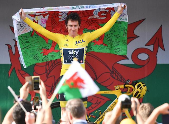 Britain's Geraint Thomas gestures to the crowd during a celebratory homecoming event in Cardiff (AFP Photo/Ben STANSALL)