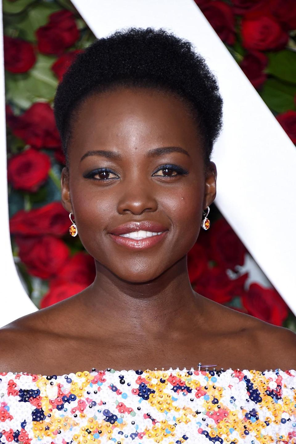 <p>If we have learn't one thing from Lupita Nyongo'o it's that ball gowns look pretty rad with short hair. [Photo: Getty] </p>
