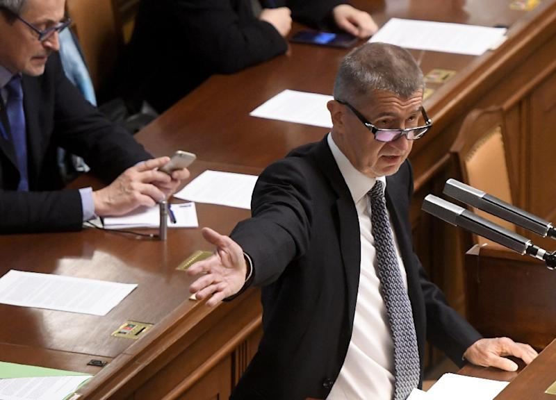 Czech finance minister proposes replacement to end crisis
