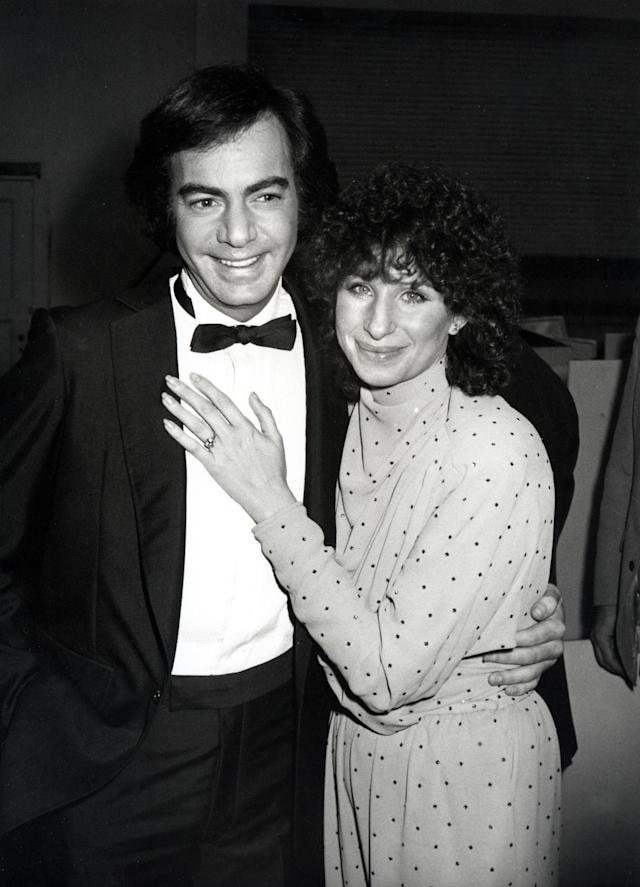 Neil Diamond & Barbra Streisand at the 22nd Annual Grammy Awards in 1980. (Photo: Getty Images)