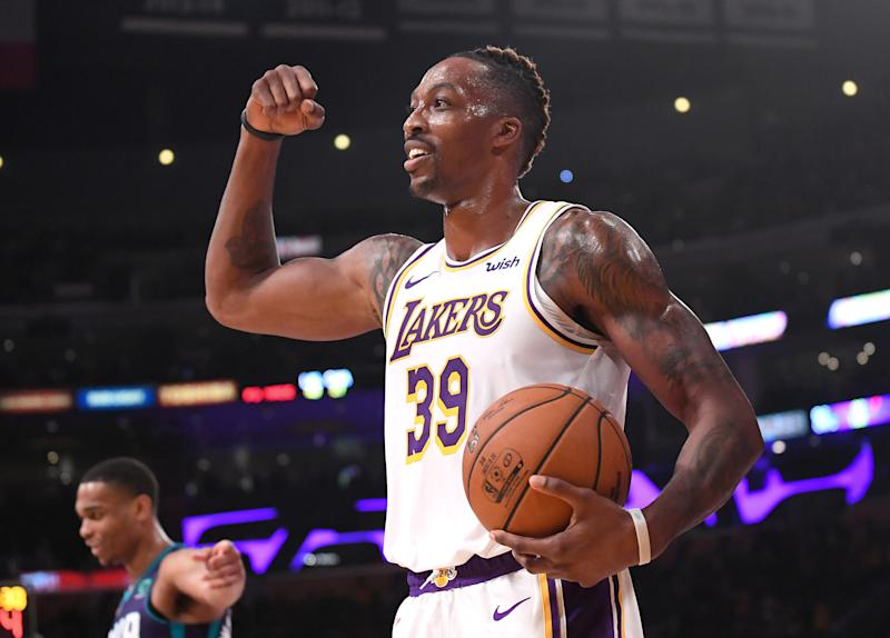 Lakers center Dwight Howard scored 16 points on 8-for-8 shooting against the Hornets. (Reuters)