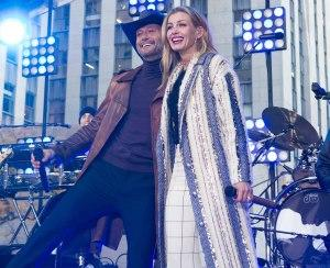 Tim McGraw (left) and Faith Hill