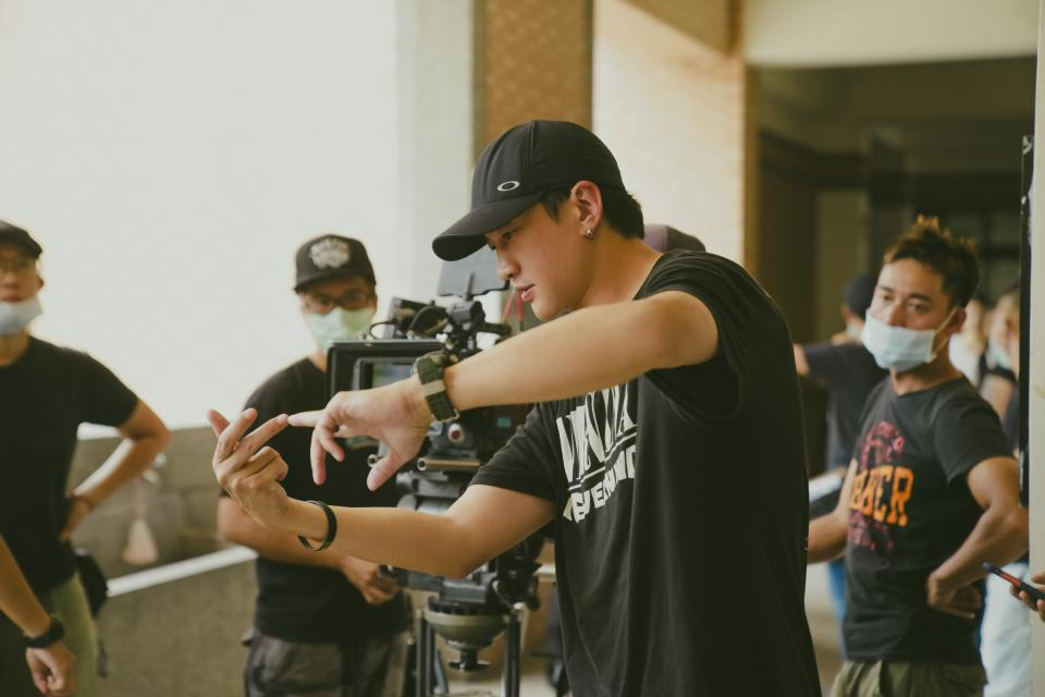 Director Peter Ho on the set of Who's By Your Side. (Photo: HBO Go)