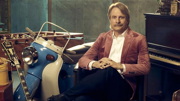"""What's it Worth -- A&E TV Series, Jeff Foxworthy Jeff Foxworthy in """"What's it Worth"""" on A&E."""