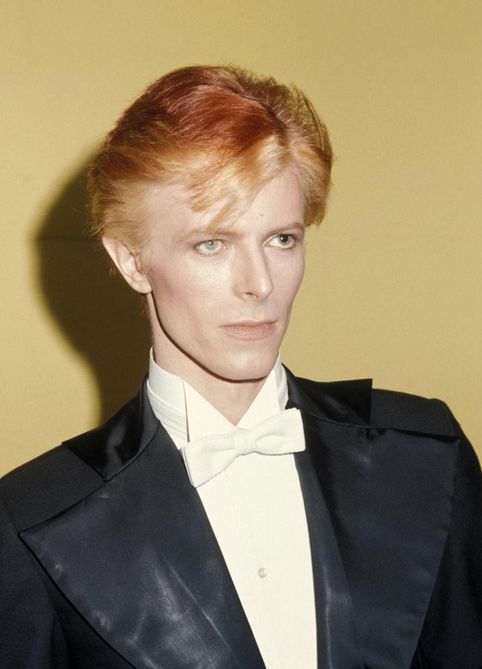 <p>Galella took this iconic photo of Bowie while he attended 1975's Grammy Awards.</p>