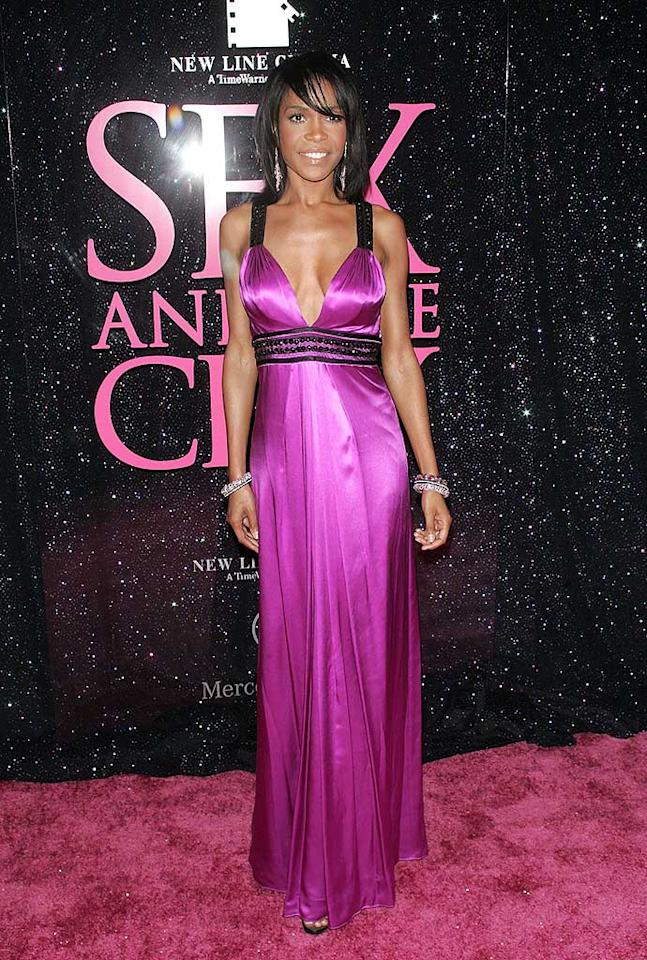 """Michelle Williams looked lovely in fuschia, but her plunging neckline was a bit too revealing. Jim Spellman/<a href=""""http://www.wireimage.com"""" target=""""new"""">WireImage.com</a> - May 27, 2008"""
