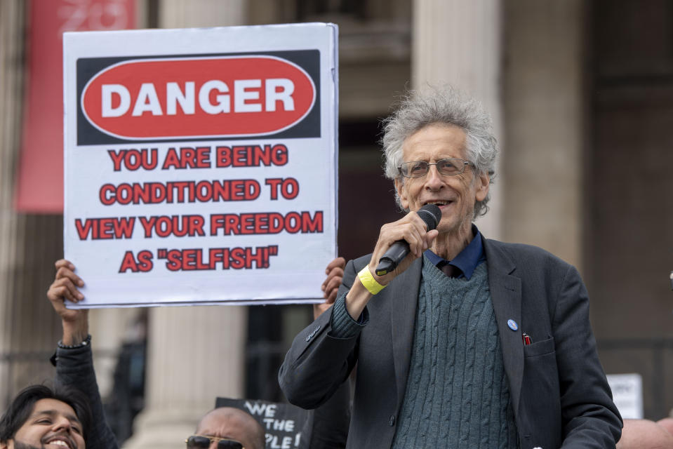 LONDON, UNITED KINGDOM - 2020/09/26: Piers Corbyn addresses the crowds at the We Do Not Consent protest. The demonstration in Trafalgar Square London was against Lock down, Social Distancing, Track and Trace & wearing of face masks. (Photo by Dave Rushen/SOPA Images/LightRocket via Getty Images)