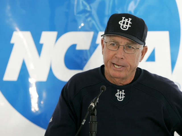 Former USC and UC Irvine baseball coach Mike Gillespie passed away at 80. (AP Photo/Nati Harnik)