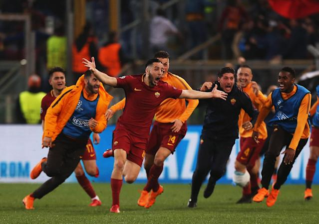 "Roma's <a class=""link rapid-noclick-resp"" href=""/soccer/players/379812/"" data-ylk=""slk:Kostas Manolas"">Kostas Manolas</a> (center) celebrates after his goal knocked Barcelona out of the Champions League. (Getty)"