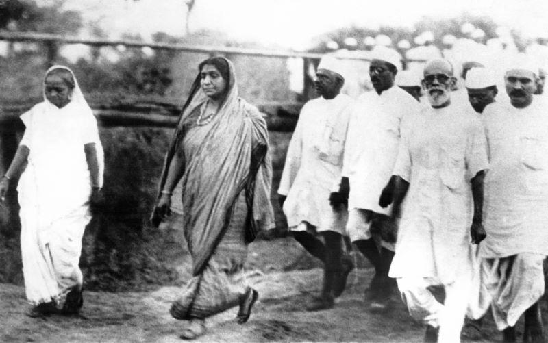 Remembering Sarojini Naidu, Poet-Freedom Fighter Who Worked Tirelessly for Women's Upliftment