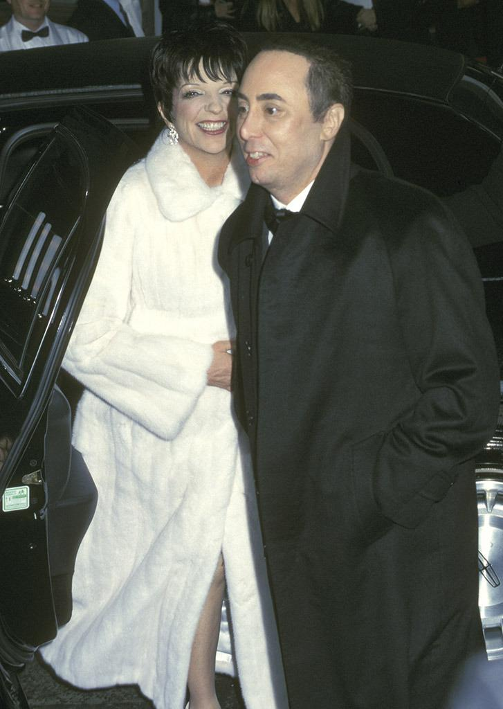 David Gest And Liza Minnelli A Look Back At Their Crazy Romance Wedding