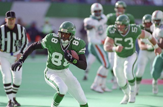 Al Toon and the Jets were sporting jerseys that looked ahead of their time. (Photo by Tom Berg/Getty Images)
