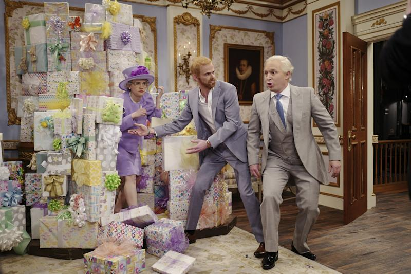 """SNL (""""Emma Stone"""" Episode 1764) Pictured: (l-r) Kate McKinnon as Queen Elizabeth, Mikey Day as Prince Harry, and Beck Bennett as Prince Charles during the """"Royal Baby Video"""" sketch on Saturday, April 13, 2019."""