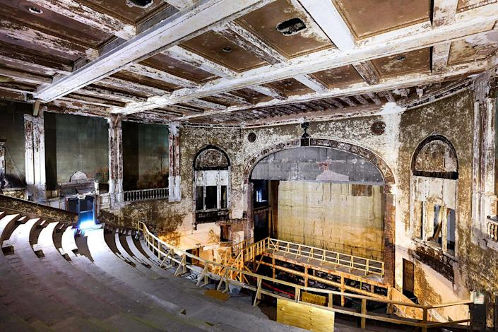 <p>For decades, the 28,000-square-foot Carolina Theatre was a major venue, offering silent and then sound movies and vaudeville acts. (Photo: Matt Lambros/Caters News) </p>