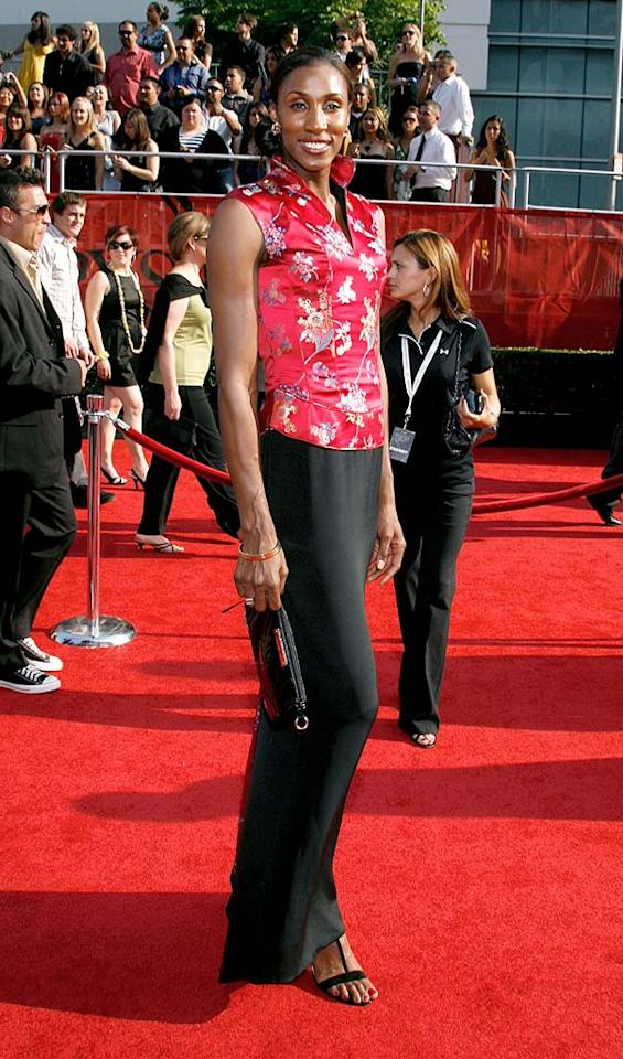 "WNBA superstar Lisa Leslie opted for an Asian-inspired top and a simple black skirt. Jeffrey Mayer/<a href=""http://www.wireimage.com"" target=""new"">WireImage.com</a> - July 16, 2008"