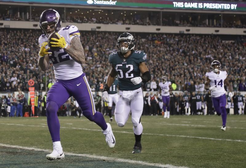 Minnesota Vikings' Kyle Rudolph catches a touchdown pass against the Eagles in the NFC title game. (AP)
