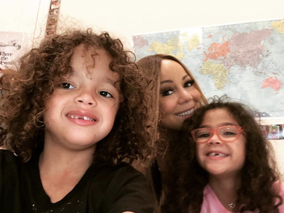 "<p>""Visiting dembabies' classroom — the only way to get me back to school,"" the singer joked, as she took a selfie with her little ones, Moroccan and Monroe, 6. (Photo: <a rel=""nofollow"" href=""https://www.instagram.com/p/Bg7Qy3wngbt/?taken-by=mariahcarey"">Mariah Carey via Instagram</a>) </p>"