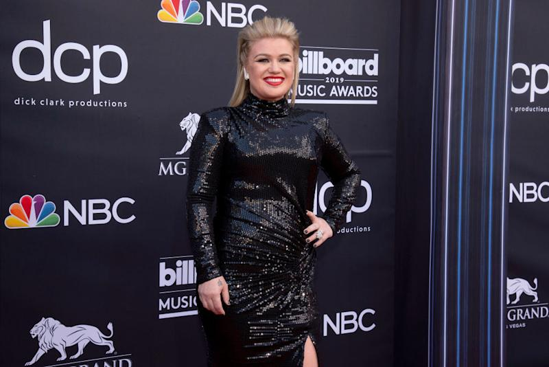 Kelly Clarkson arrives at the 2019 Billboard Music Awards, which she hosted, at MGM Grand Arena on May 1 in Las Vegas. (Photo: Daniel Torok/Patrick McMullan via Getty Images)