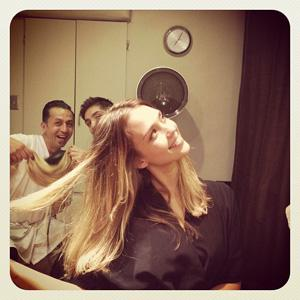 Jessica Alba jokes around at the salon.
