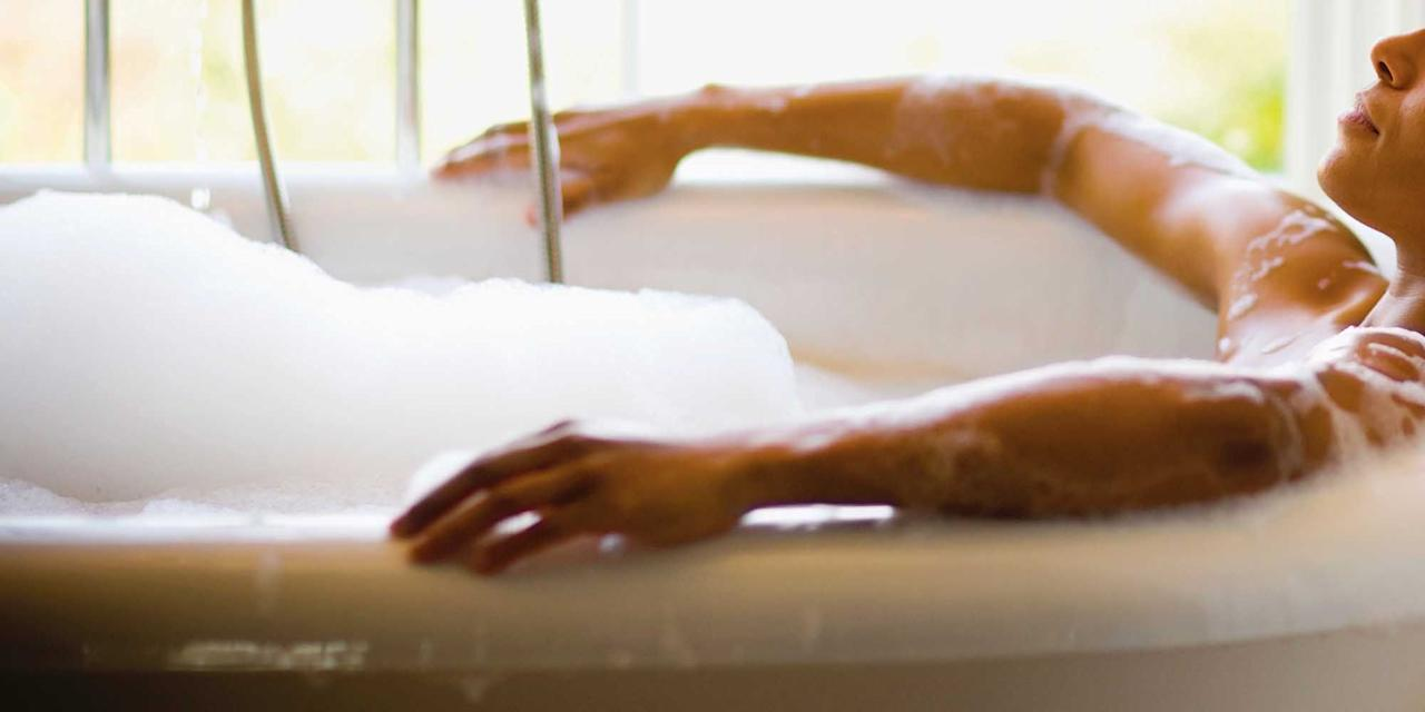 <p>What better way to relax than with a soothing bubble bath at the end of the day? Here, 14 of our favorite bubblies—not only will they give you a mental escape, but they'll nourish your skin along the way. Happy soaking.</p>