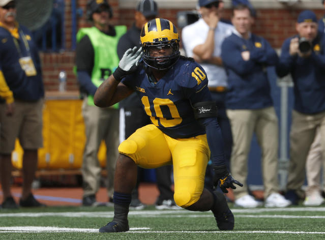 "Michigan linebacker <a class=""link rapid-noclick-resp"" href=""/ncaaf/players/263463/"" data-ylk=""slk:Devin Bush"">Devin Bush</a> was at the center of the pregame controversy before Saturday's game vs. Michigan State. (AP Photo/Paul Sancya)"