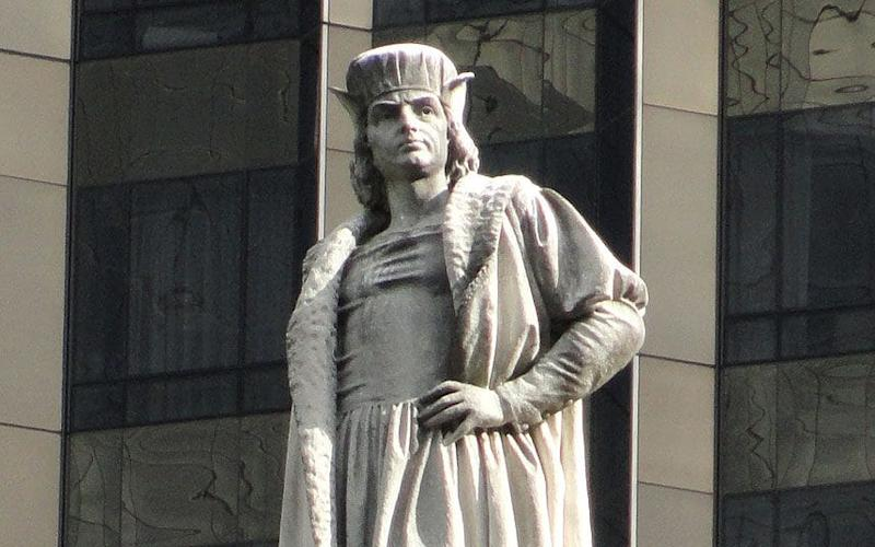 The monument at the centre of Columbus Circle was erected as part of New York's 1892 commemoration of the 400th anniversary of Columbus' landing in the Americas - Wikimedia