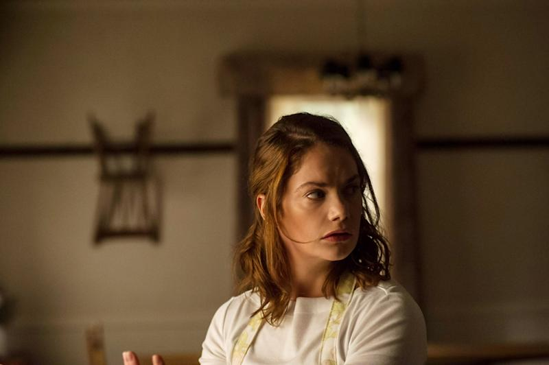 Ruth Wilson stars in 'I Am the Pretty Thing That Lives in the House' (Photo: Albert Camicoli / Netflix / courtesy Everett Collection)