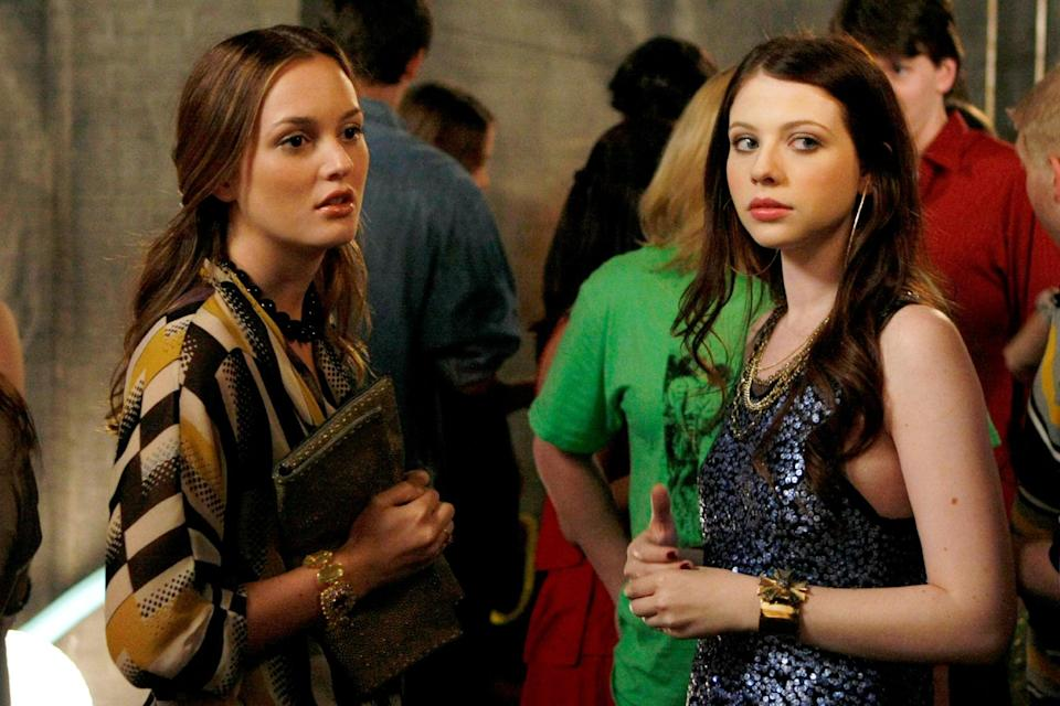 GOSSIP GIRL, from left: Leighton Meester, Michelle Trachtenberg, 'The Freshmen', (Season 3, ep. 302, aired September 21, 2009). 2007-. photo: Giovanni Rufino /  The CW / Courtesy Everett Collection