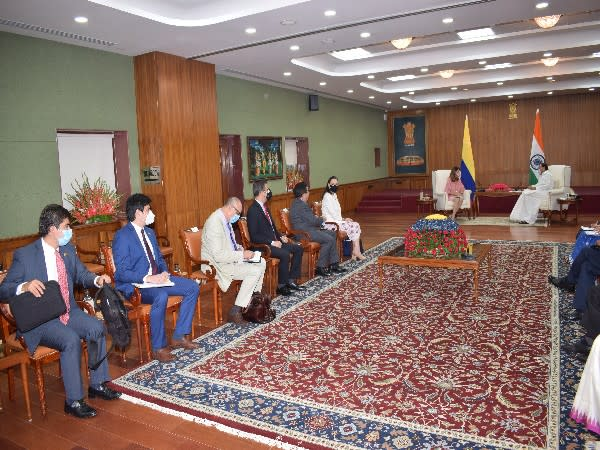 On October 1, Vice President Venkaiah Naidu met Ramirez and exchanged views on bilateral cooperation in many areas.