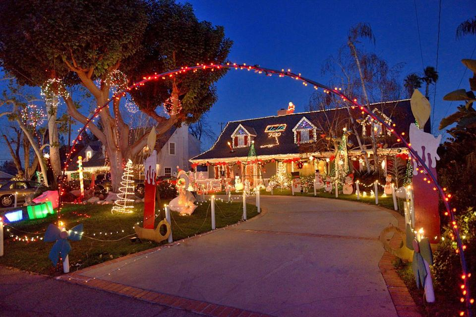 """<p>Where do Southern Californians go to get the Christmas spirit? <a href=""""https://go.redirectingat.com?id=74968X1596630&url=https%3A%2F%2Fwww.tripadvisor.com%2FTourism-g33089-Sierra_Madre_California-Vacations.html&sref=https%3A%2F%2Fwww.countryliving.com%2Flife%2Ftravel%2Fg2829%2Fbest-christmas-towns-in-usa%2F"""" rel=""""nofollow noopener"""" target=""""_blank"""" data-ylk=""""slk:Sierra Madre"""" class=""""link rapid-noclick-resp"""">Sierra Madre</a>, a foothills town just a few miles east of Pasadena, imports snow from the San Bernadino Mountains every year to build a big snowman in the town's central square, Kersting Court, until the balmy local temperatures send him downstream. There's still plenty to see, with the town's houses and businesses decorated for the season, a life-size nativity scene, and a 154-tree-long Christmas Tree Lane.</p><p><strong><a class=""""link rapid-noclick-resp"""" href=""""https://go.redirectingat.com?id=74968X1596630&url=https%3A%2F%2Fwww.tripadvisor.com%2FTourism-g33089-Sierra_Madre_California-Vacations.html&sref=https%3A%2F%2Fwww.countryliving.com%2Flife%2Ftravel%2Fg2829%2Fbest-christmas-towns-in-usa%2F"""" rel=""""nofollow noopener"""" target=""""_blank"""" data-ylk=""""slk:PLAN YOUR TRIP"""">PLAN YOUR TRIP</a></strong></p>"""