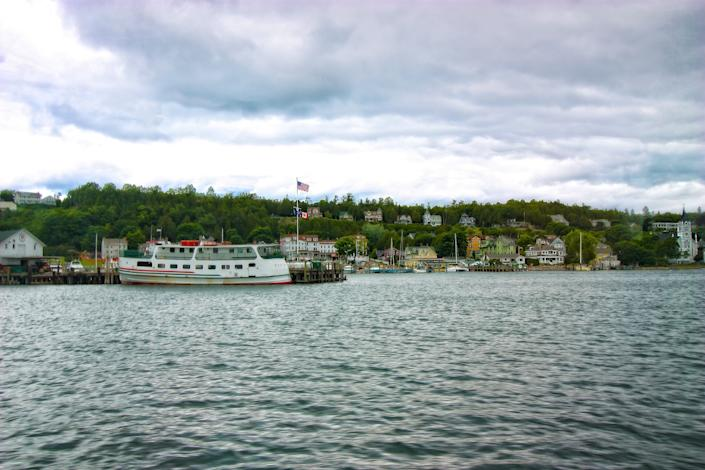 """<h1 class=""""title"""">Mackinac Island-View</h1><cite class=""""credit"""">Photo: Getty Images</cite>"""