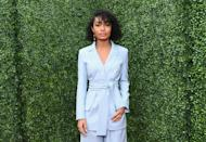 <p>What goes good with a stylish side bang? A sexy smize of course! Actress <strong>Yara Shahidi</strong> illustrates the look on curly hair and we love it. </p>