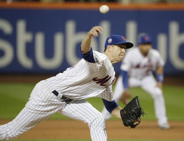 New York Mets' Jacob deGrom (48) delivers a pitch during the fourth inning of a baseball game against the Miami Marlins Tuesday, Sept. 11, 2018, in New York. (AP Photo/Frank Franklin II)