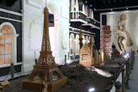 Chocolate-made replicas of famous landmarks on show on January 18, 2013 at the Chocolate Happy Land exhibition in Shanghai. The show boasts edible re-creations of world-renowned icons of refinement, glamour and heritage, from a giant Mona Lisa and Marilyn Monroe to the Leaning Tower of Pisa