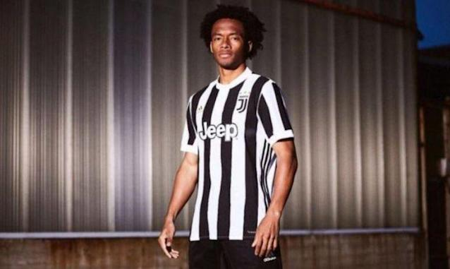 Juan Cuadrado has completed a permanent move to the Italian giants